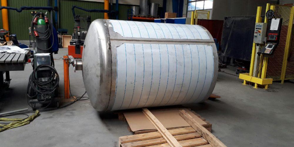 Rustfri tank og akkumuleringstank fra VST Industries